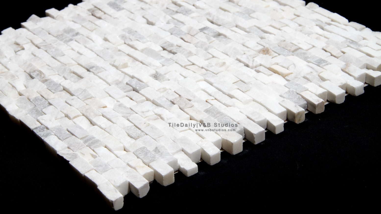 Is quartz considered a natural stone - Quartz Brick Splitface Mosaic White