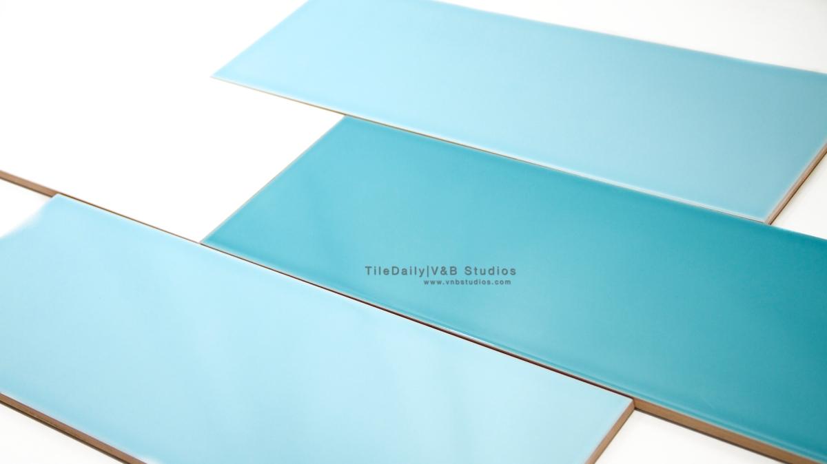Colori Large Subway Tile, Blue, Turquoise, White – tiledaily