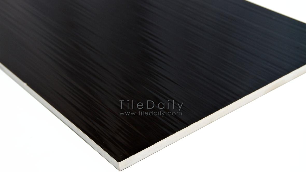 P0061BK  Rippled Lines Ceramic Wall, Black