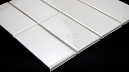 P0080 - 3x6 Crackle Glazed Porcelain Tile, White