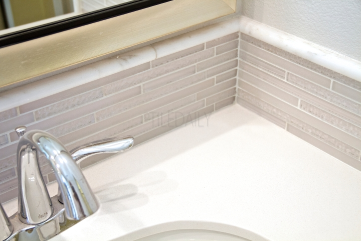 Featured Install - TileDaily Glass Backsplash: GM0084 - Random Brick Ripple Glass Mosaic, Cream