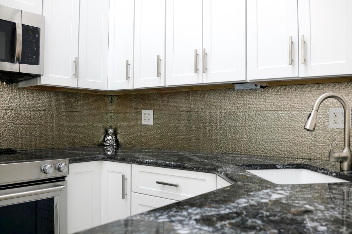 MP0025BZ – Square Drop Texture Metallic Porcelain Tile, Champagne