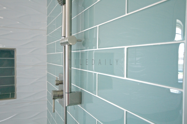 Featured Install: Bathroom, Corona, CA Tile Code: P0079WE, GM0087LGY & PM0019WE
